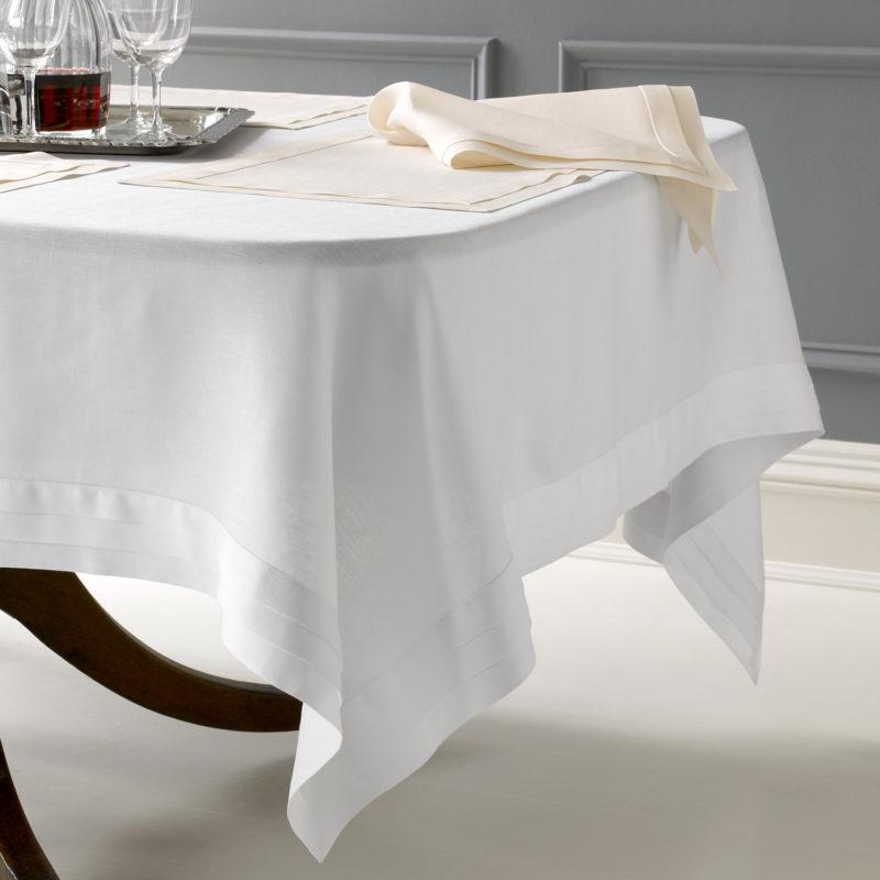 Linen & Tablecloths
